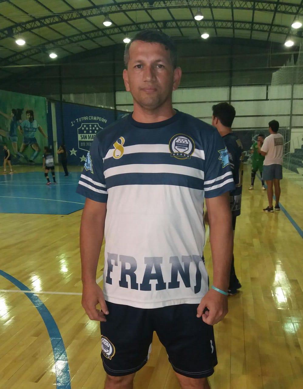David Fernandez autor del cuarto gol de franjeados